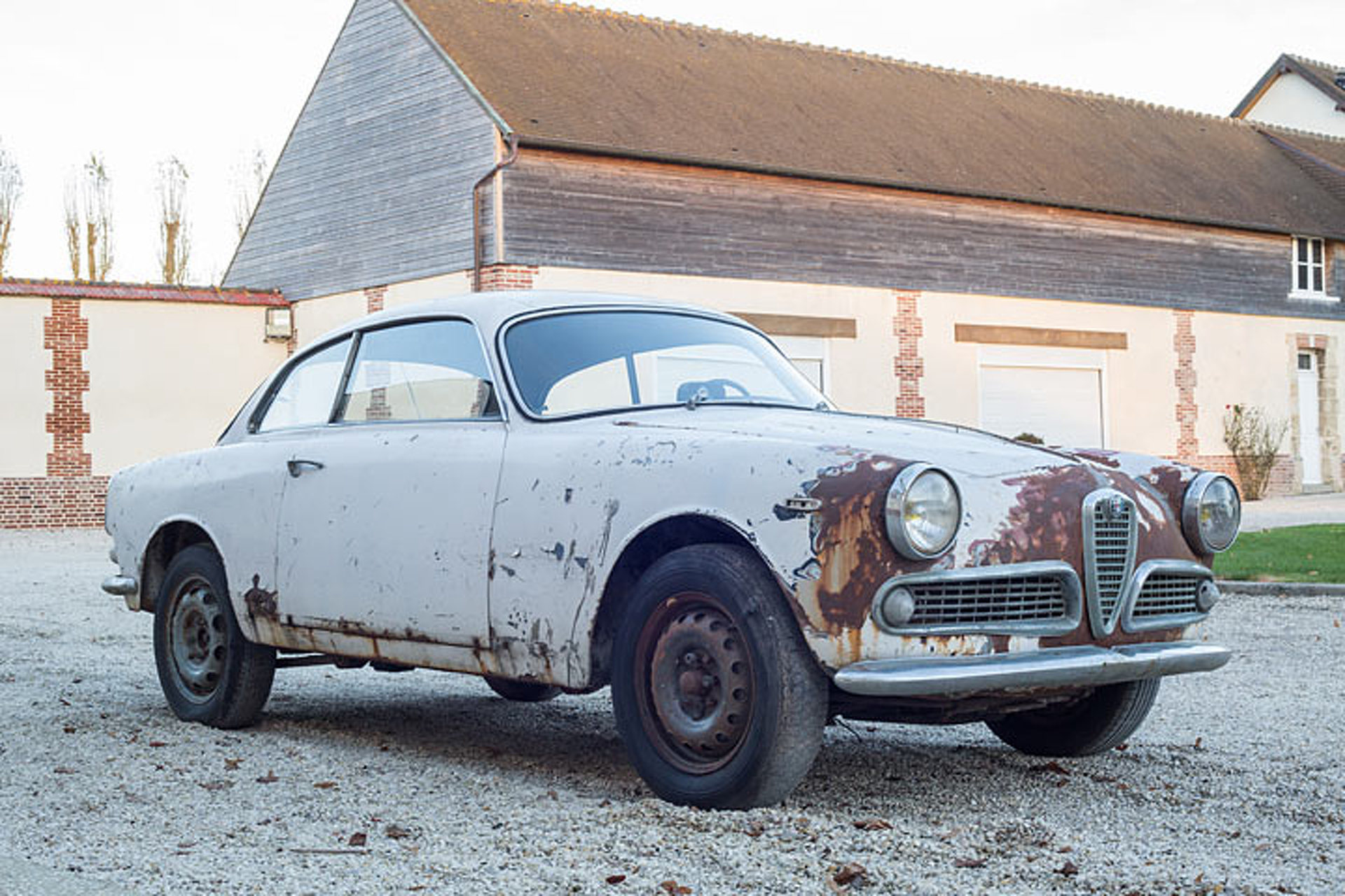 This Alfa Romeo Barn Find Is For Sale Rust Included - New alfa romeo for sale