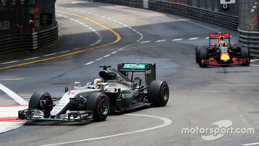 """Mercedes has """"no breathing space"""" in F1 title battle"""