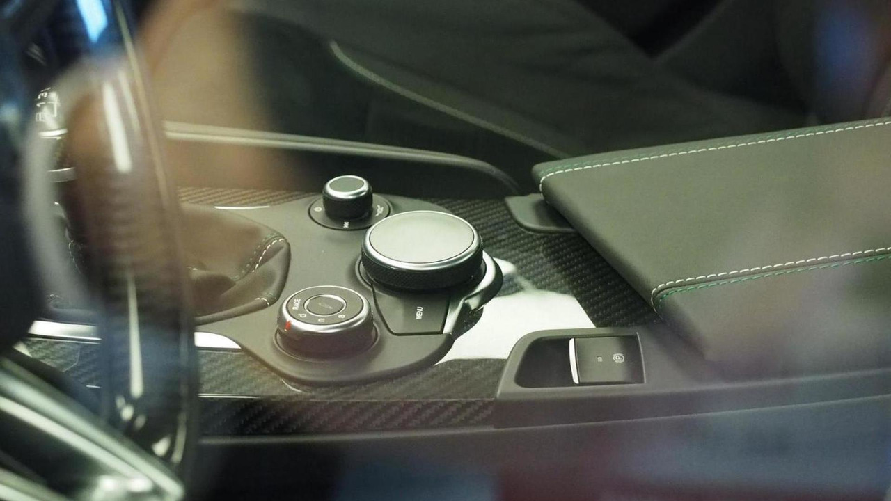 Alfa Romeo Giulia unofficial interior photo / Quattroruote
