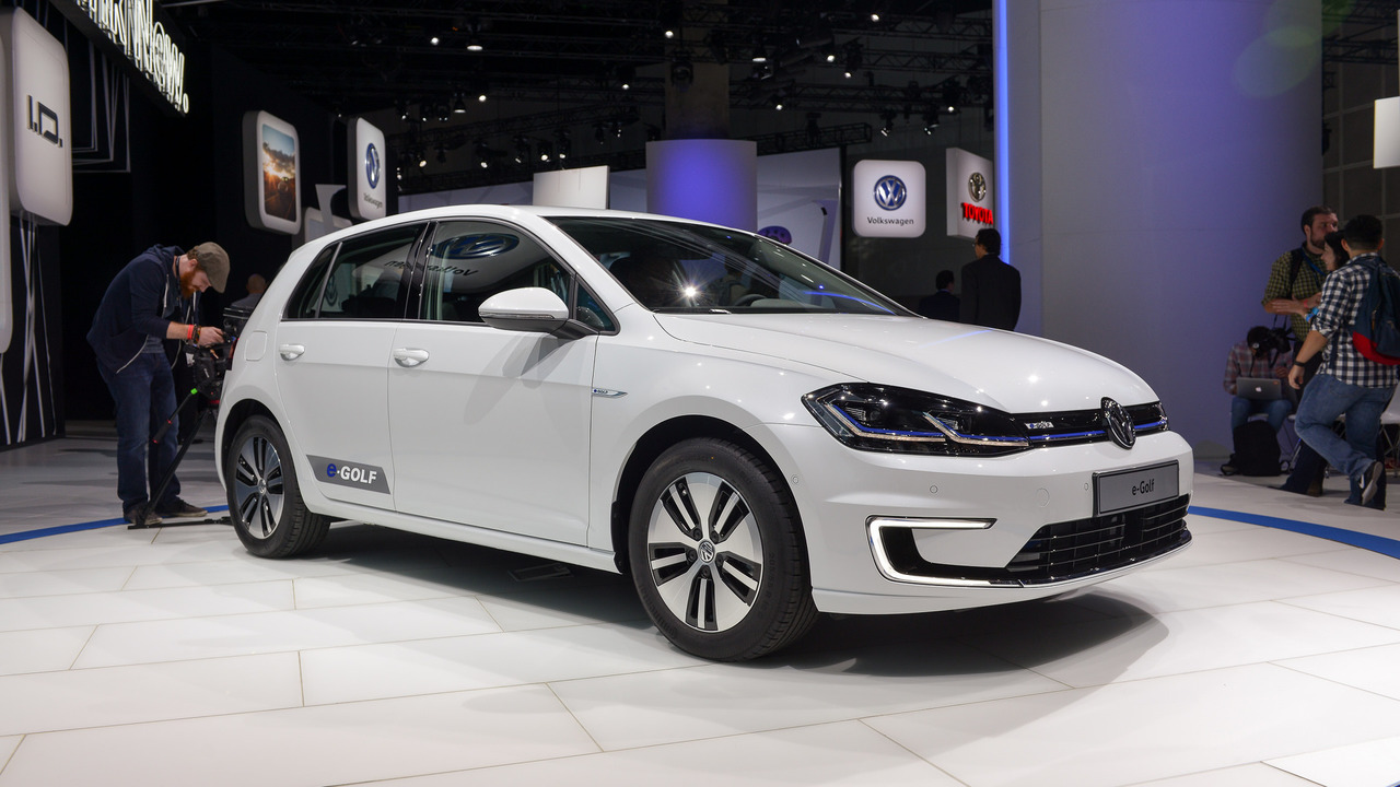 vw e golf facelift with 300 km range costs 35 900 in germany. Black Bedroom Furniture Sets. Home Design Ideas