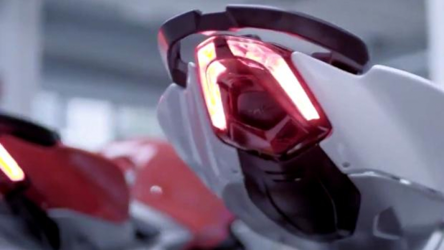 MV Agusta Brutale 800 2016 [VIDEO]