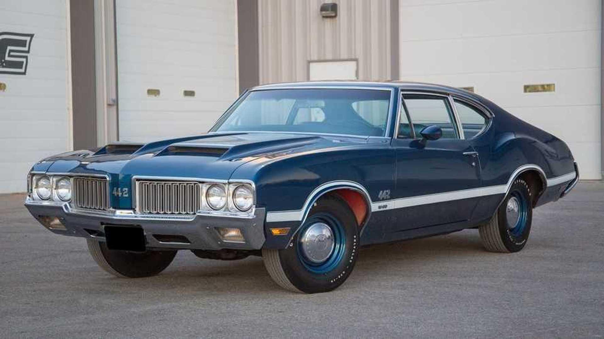 """[""""1970 Oldsmobile 442""""]"""