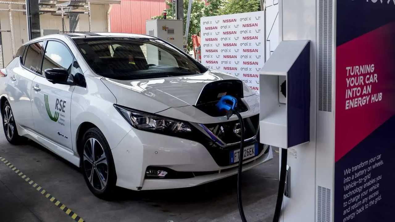 Nissan Leaf Vehicle to Grid Milano