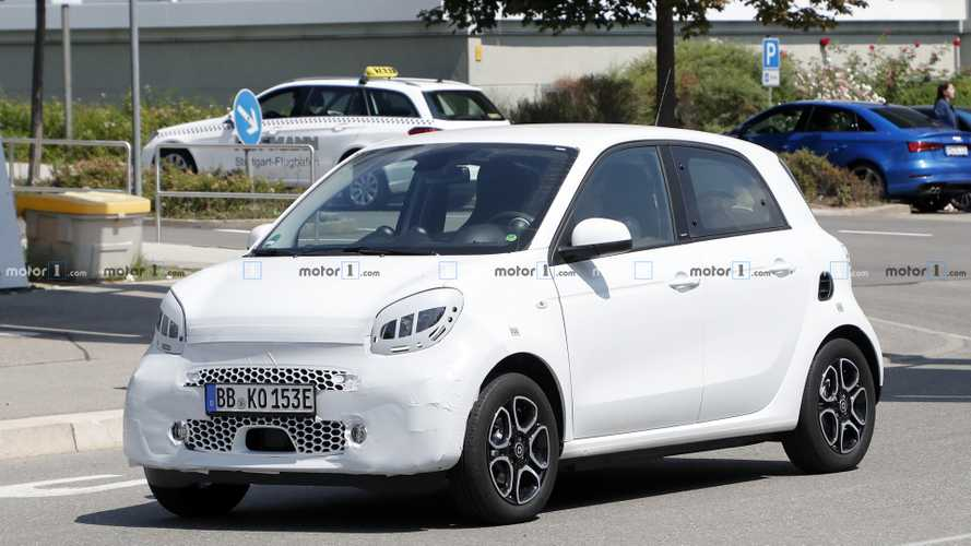 Smart ForFour Electric Drive facelift spy photos