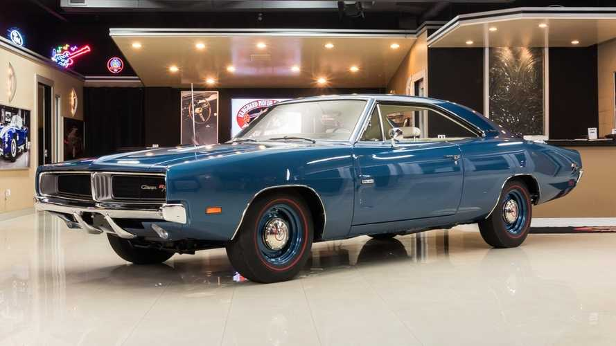 Professionally Built And Restored 1969 Dodge Charger R/T Hemi