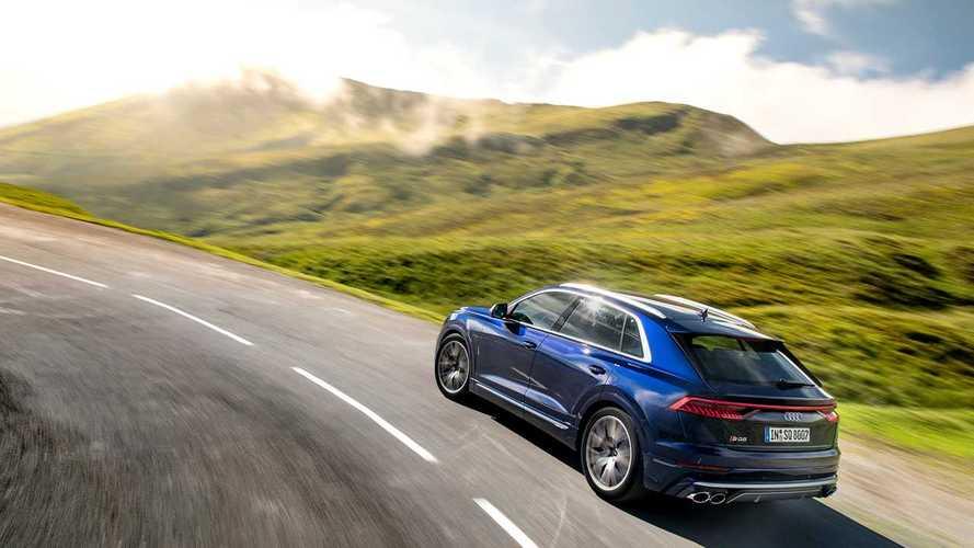 В России отправят на ремонт новые кроссоверы Audi Q7 и Q8