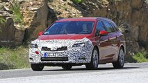 Vauxhall Astra Estate facelift spy photos