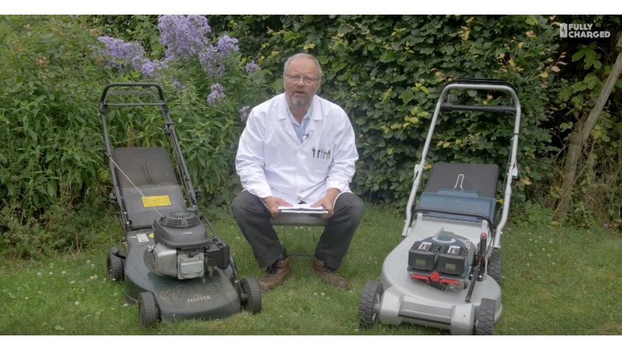 Battery V Petrol. The Lawnmower Test   Fully Charged