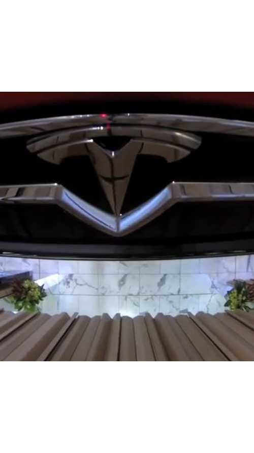 Tesla Model S Hoisted Up For Display In Australia - Video