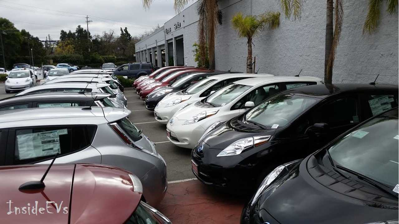 Report: Used Nissan LEAF Prices Fall To $15,238 In March