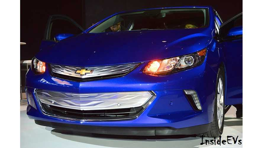 2016 Chevrolet Volt - Live Gallery From The Chicago Auto Show