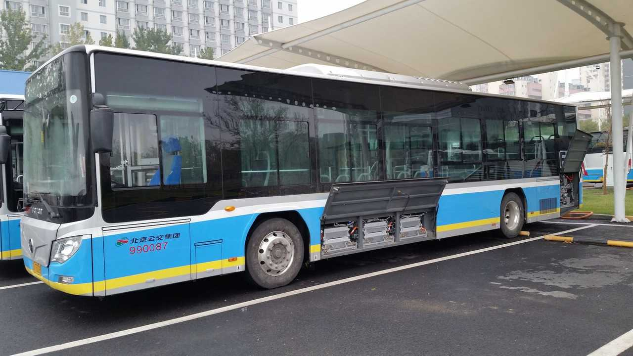 Foton electric bus equipped with Microvast LpCO(R) battery system (PRNewsFoto/Microvast)