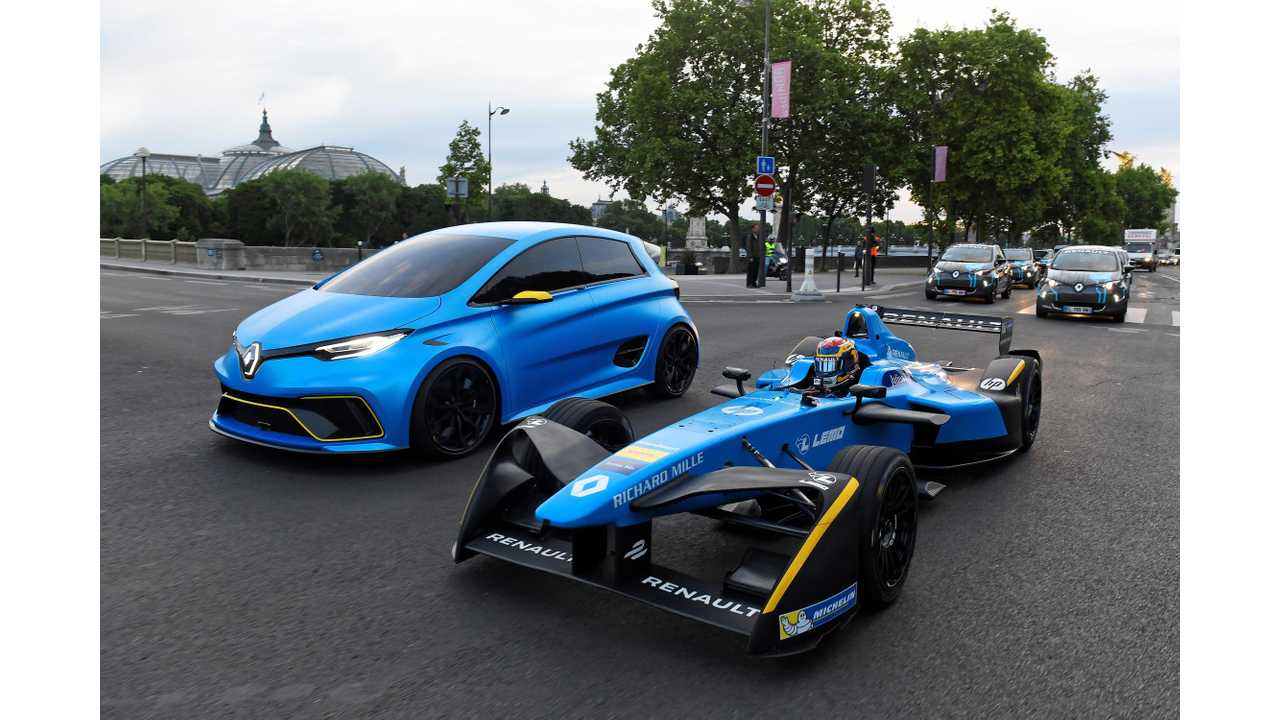 Formula e Renault e.Dams R.S.16 and ZOE e-Sport Concept in action