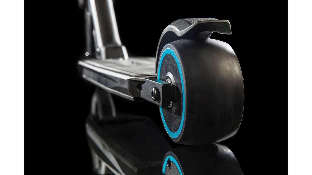 Peugeot and Micro Introduces e-Kick Electrically Assisted Scooter