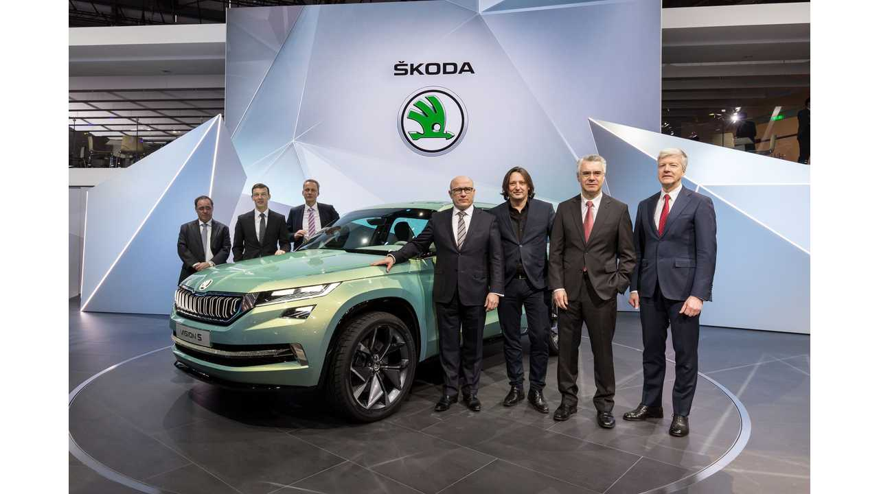 ŠKODA Board of Management at motor show world premiere of the new ŠKODA VisionS.
