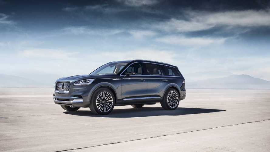 Lincoln Debuts 3-Row Aviator Plug-In Hybrid