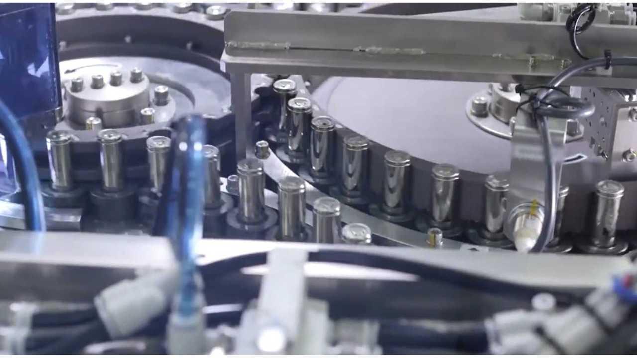 Tesla's Secret Weapon: Intense Focus On Batteries