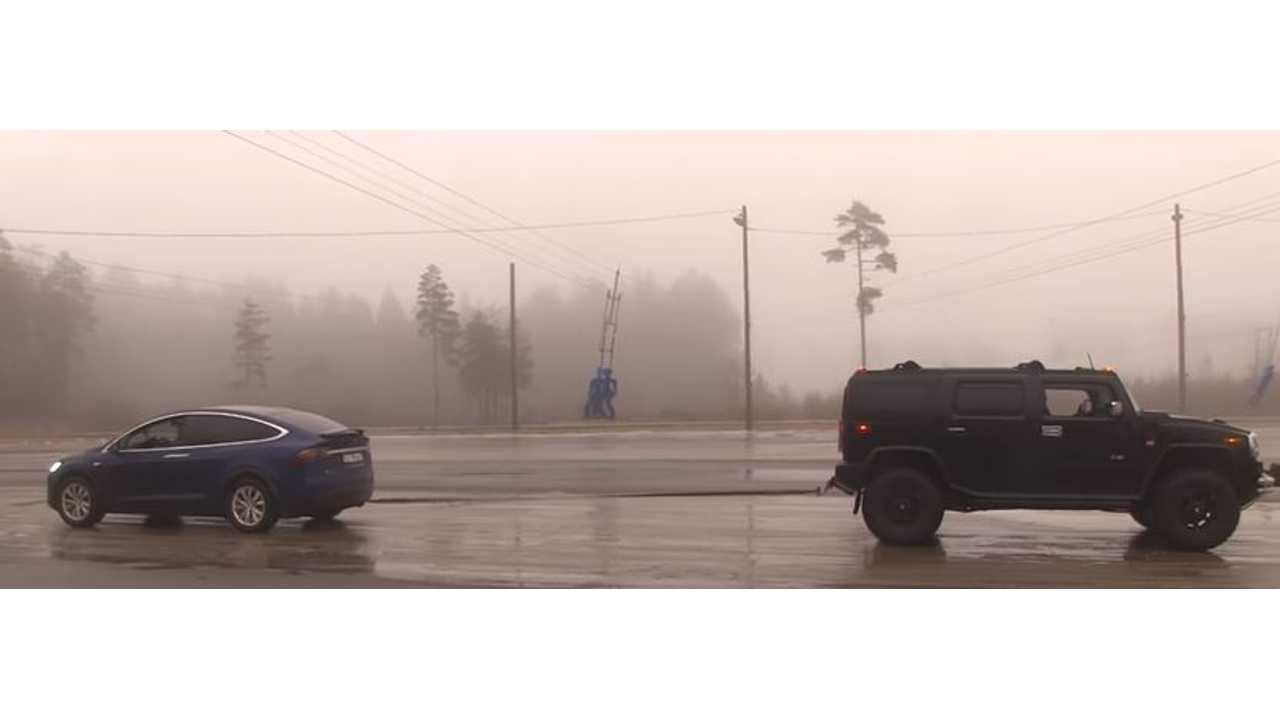 Tesla Model X Versus Hummer H2 - Tug Of War Video