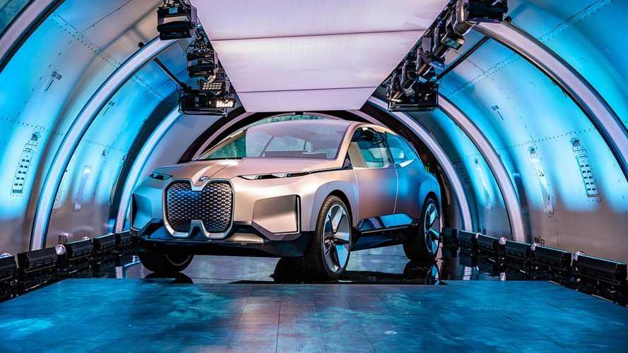 Meghökkentő külsővel debütált a BMW Vision iNEXT tanulmány