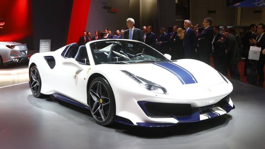 Ferrari 488 Pista Spider full tech specs released in Paris