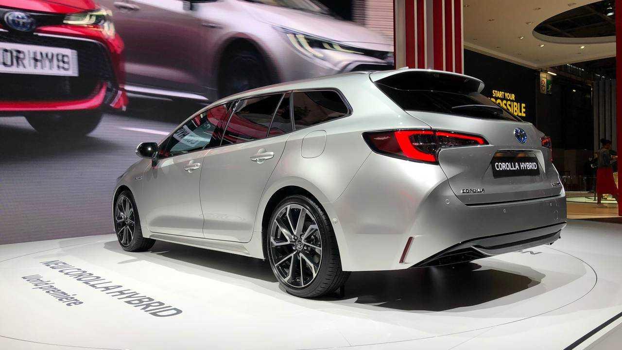 Toyota Corolla Touring Sports 2019 - Salão de Paris 2018
