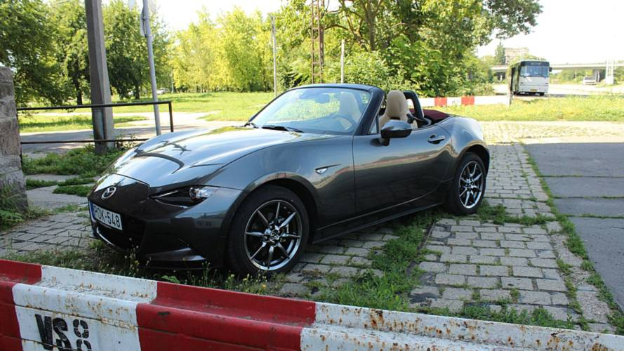 Mazda MX-5 soft top G130