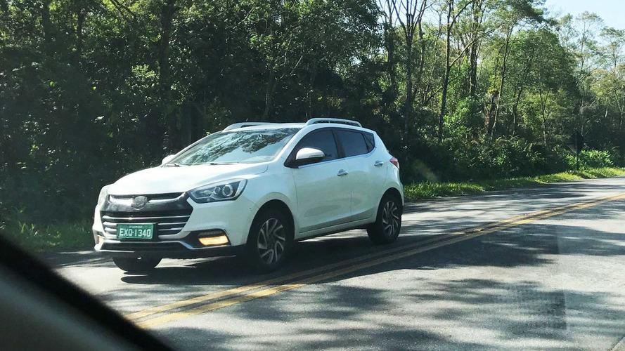 Flagra - JAC T40, SUV de R$ 60 mil, finaliza testes para estreia em julho