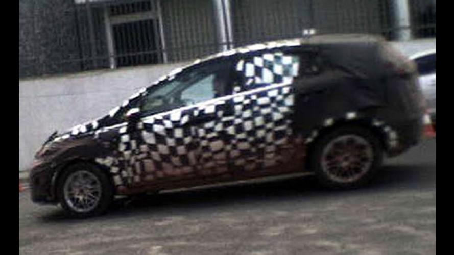 Flagra: Nova geração do Fiesta já roda com disfarces no Brasil