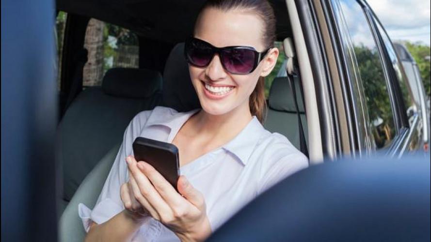Vacanze in auto, i numeri e le app utili per viaggiare informati