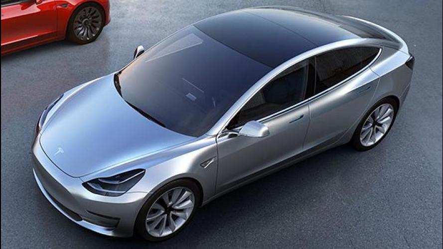 """Tesla Model 3, con 276.000 pre ordini è già """"elettro mania"""""""