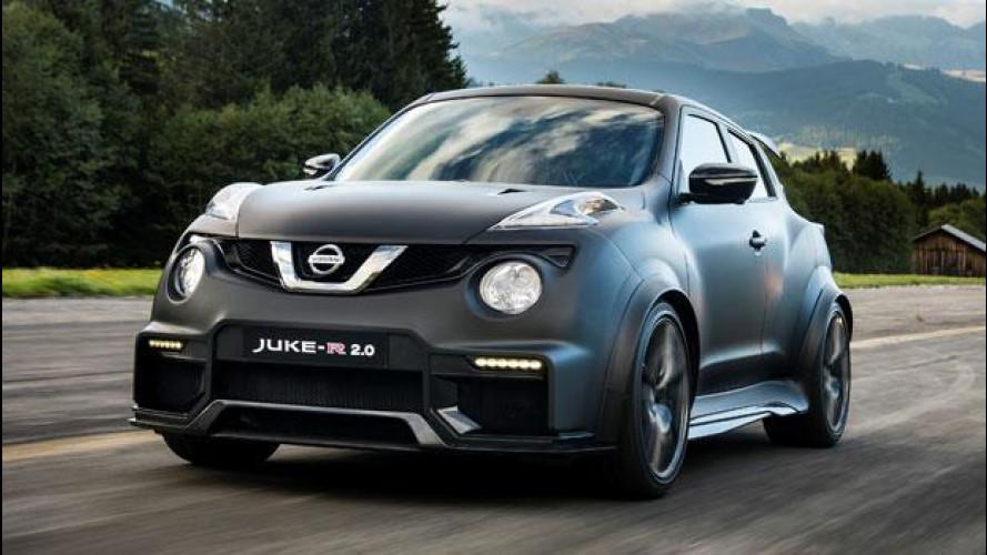 Nissan Juke-R 2.0, in pista con la GT-R travestita