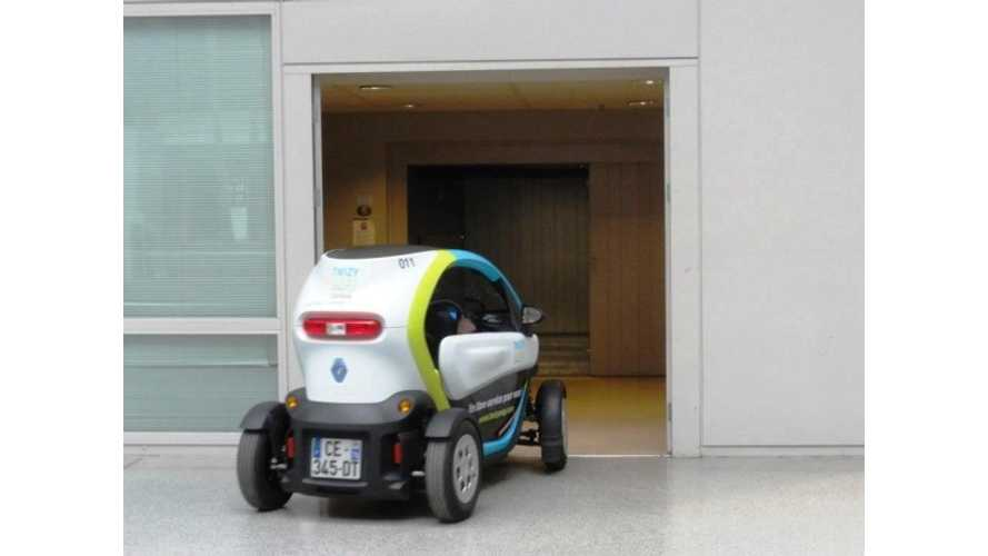 Video: Twizy Twists Its Way Through Renault's Indoor Technocentre