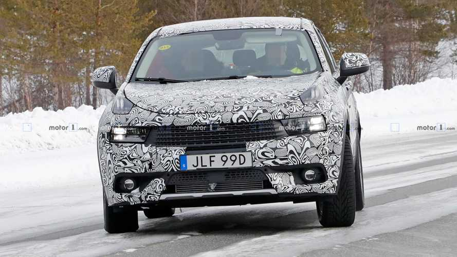 Lynk & Co 01 seven-seat spy shots
