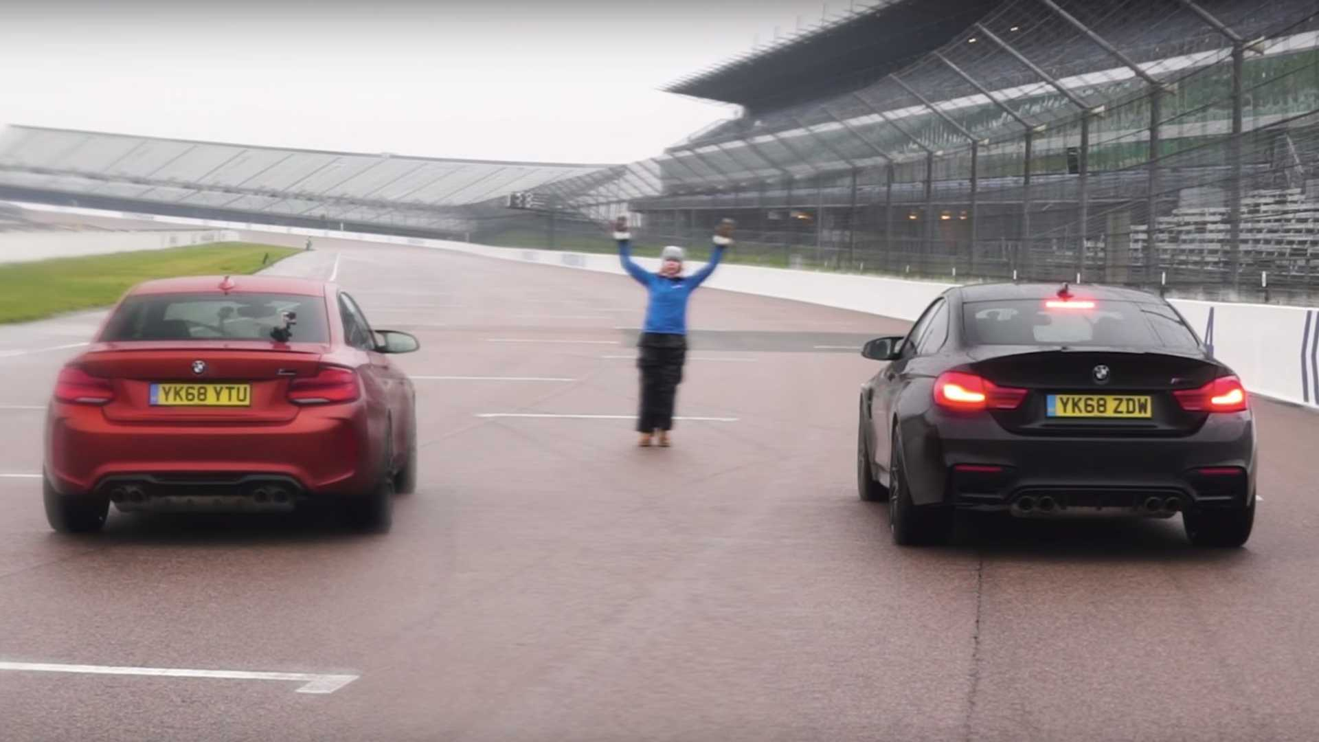 BMW M2 Competition, M4 Competition Duel On Wet Track