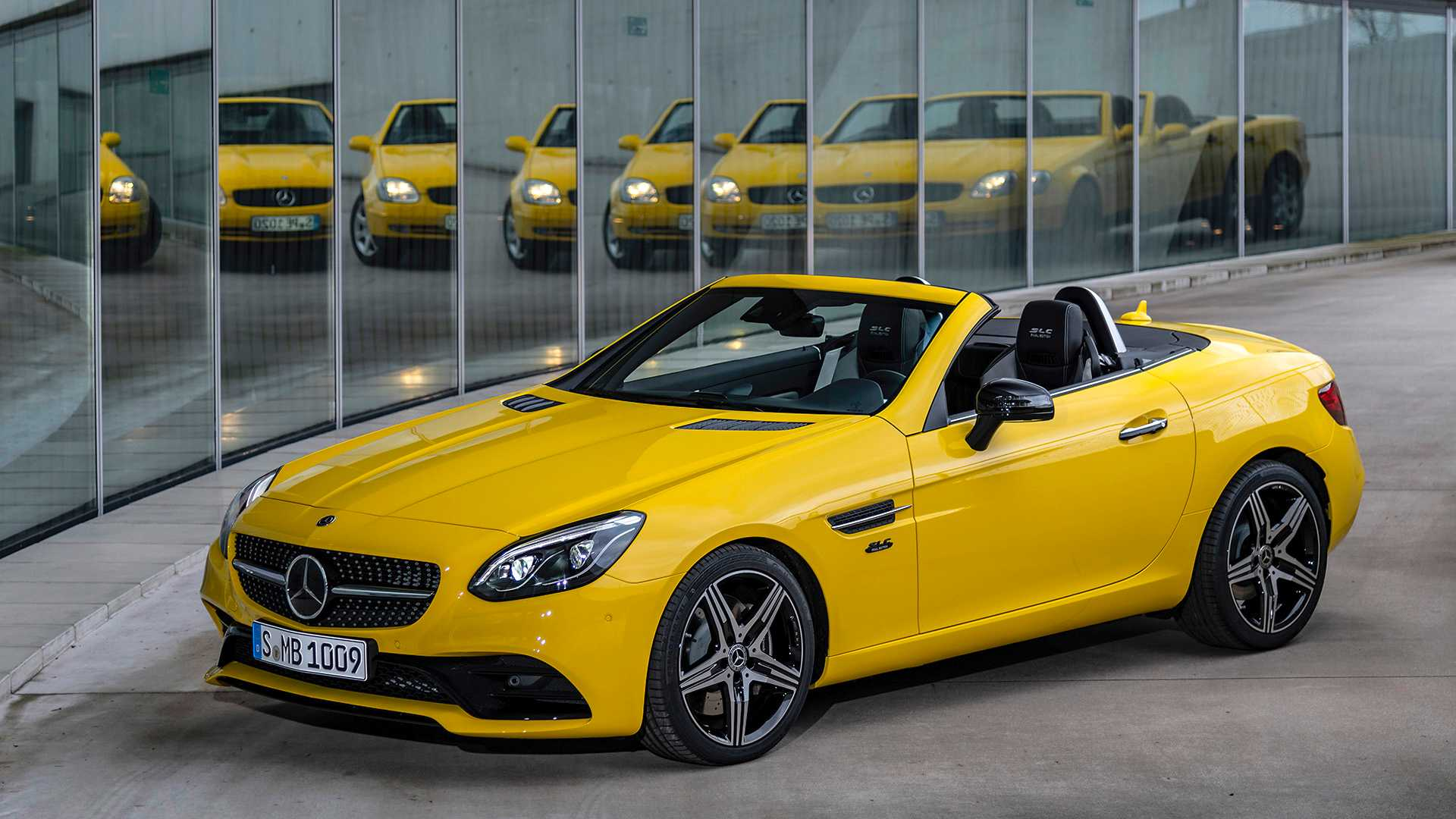 Mevcut jenerasyon Mercedes SLC'nin son versiyonu tanıtıldı