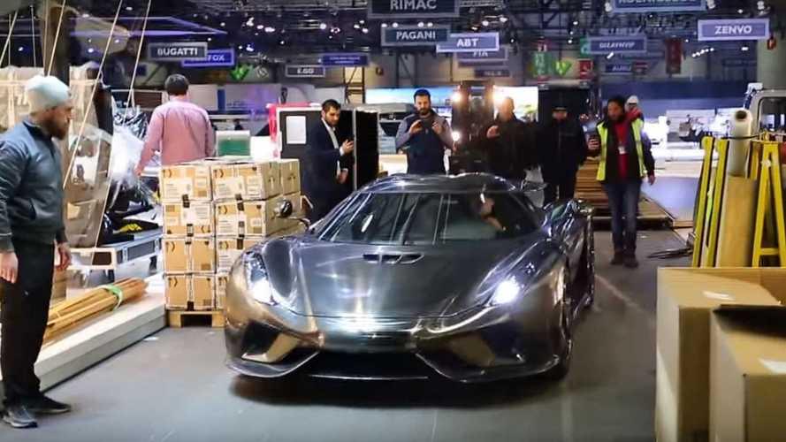 Bare carbon Koenigsegg Regera filmed leaving Geneva Motor Show