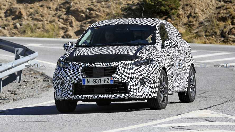 2020 Renault Captur new spy photos