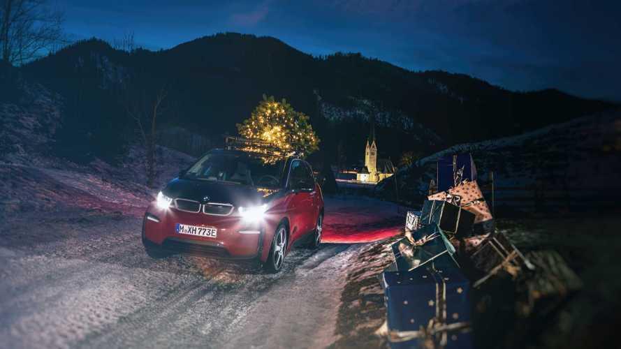 A jelek szerint a BMW i3 akár mozgó karácsonyfaként is funkcionálhat
