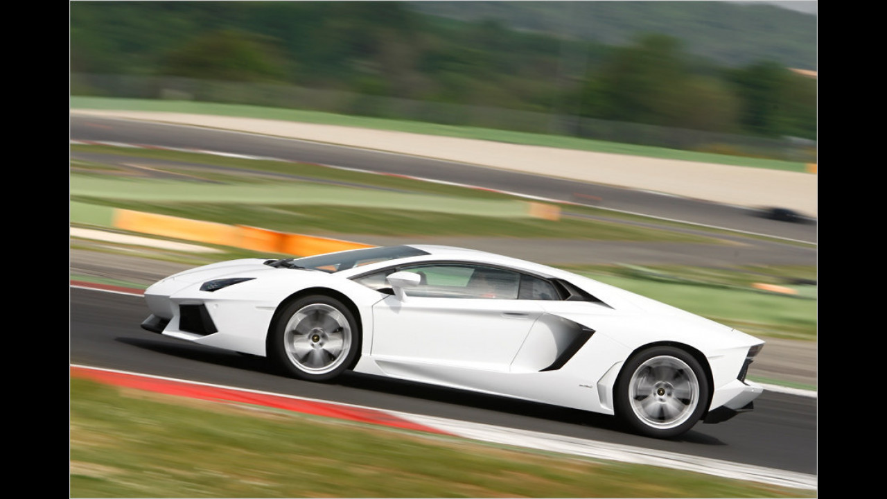 Platz 9: Lamborghini Aventador, 1.136 Millimeter Höhe