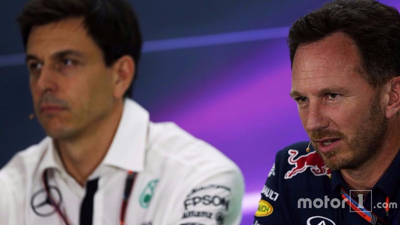 Christian Horner, Team Principal Red Bull Racing et Toto Wolff, Président Exécutif Mercedes AMG F1 lors de la conférence de presse de la FIA