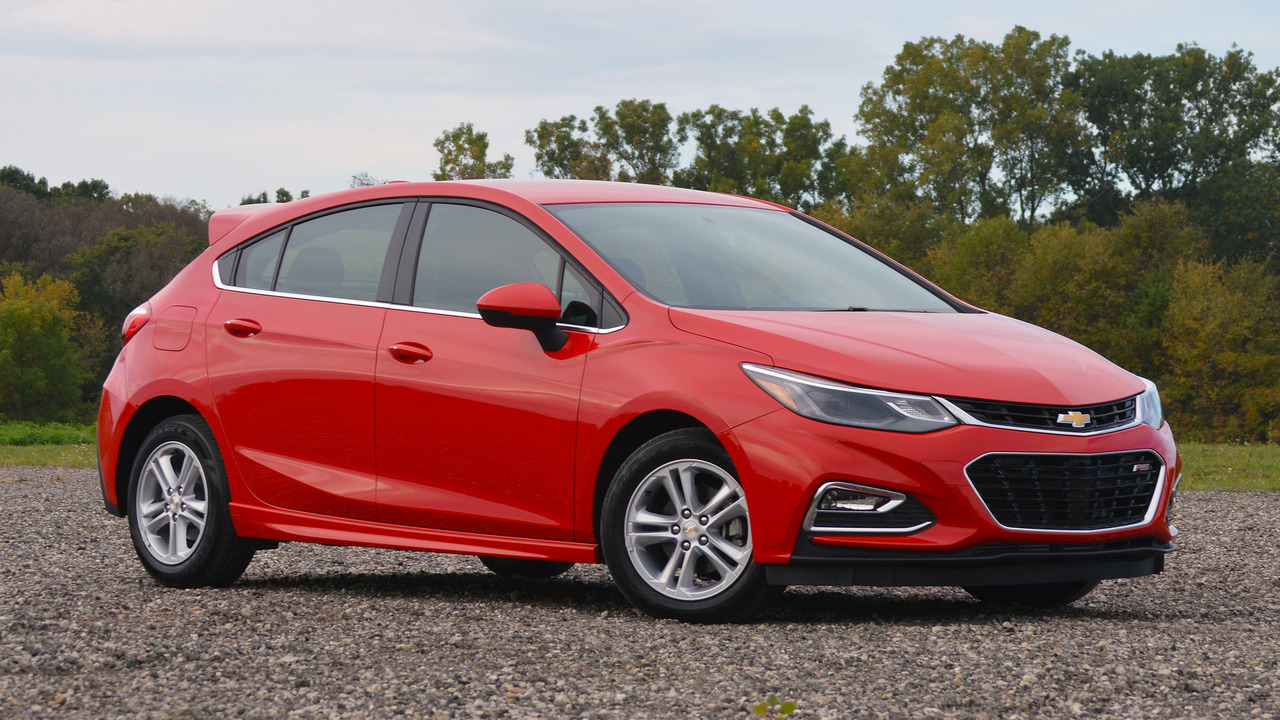 2017 Chevrolet Cruze Hatchback: Review