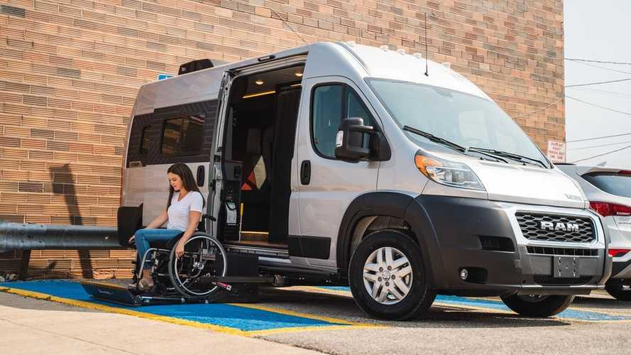 Winnebago Roam, Camper Van yang Ramah untuk Pengguna Kursi Roda