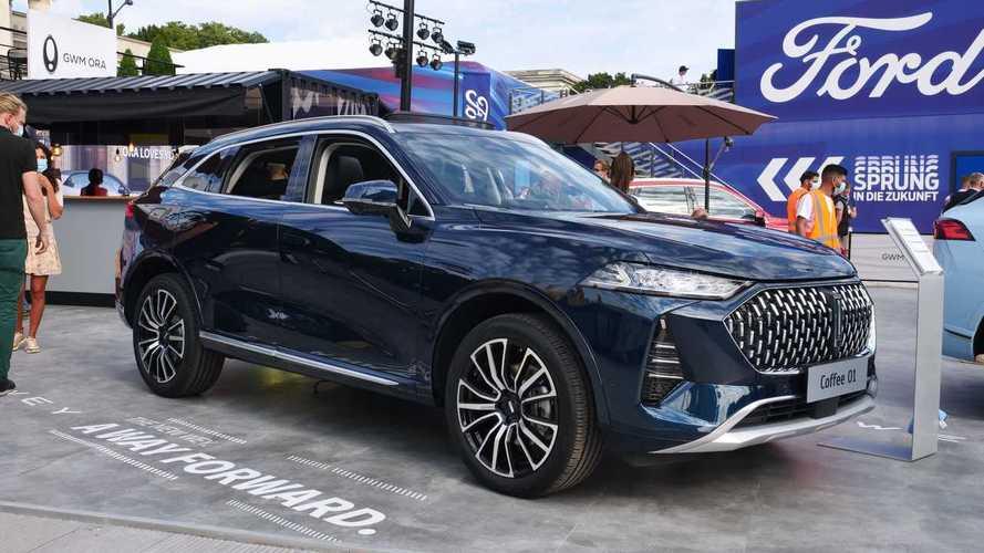 Il SUV plug-in cinese che fa 150 km in elettrico: il video da Monaco