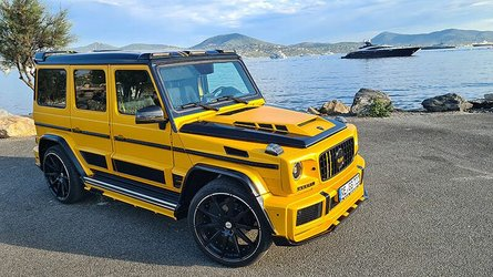 Crazy widebody Mercedes G-Class looks like a school bus