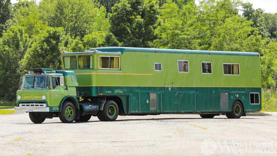 Camelot Cruiser: un brutal camión vivienda que está a la venta