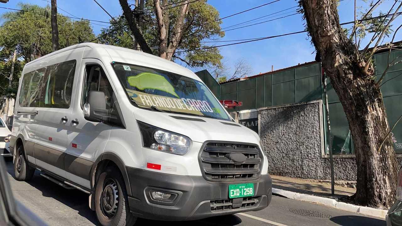 Ford Transit 2023 - Flagra no Brasil