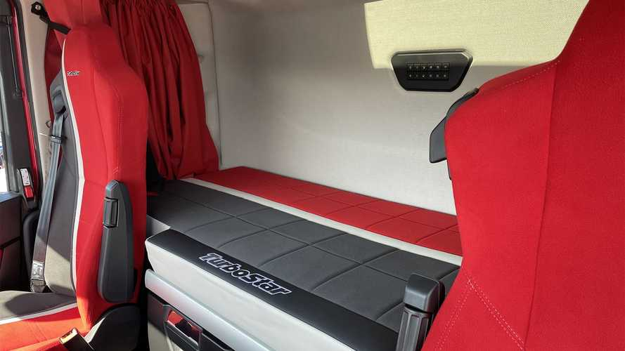 Iveco S-Way TurboStar Special Edition