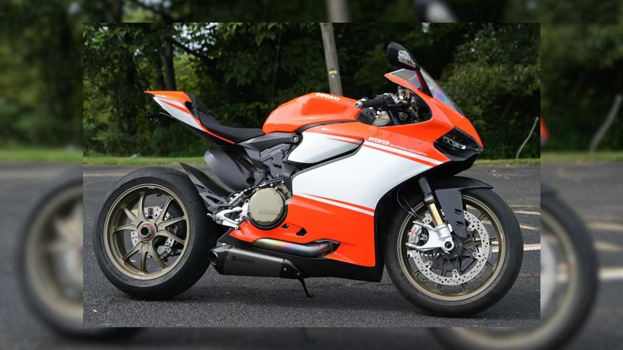 This 450-Mile Ducati 1199 Superleggera Can Be Yours