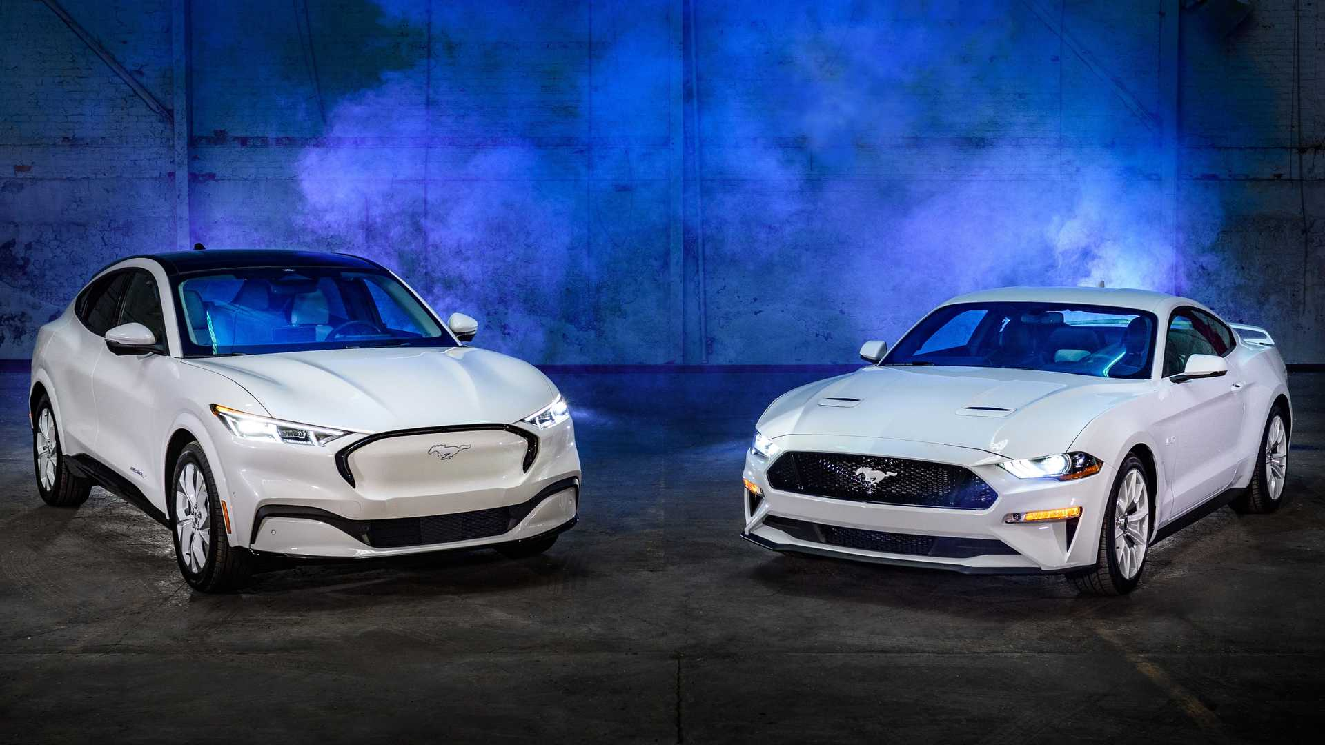 2022 Ford Mustang Mach-E Ice White Edition