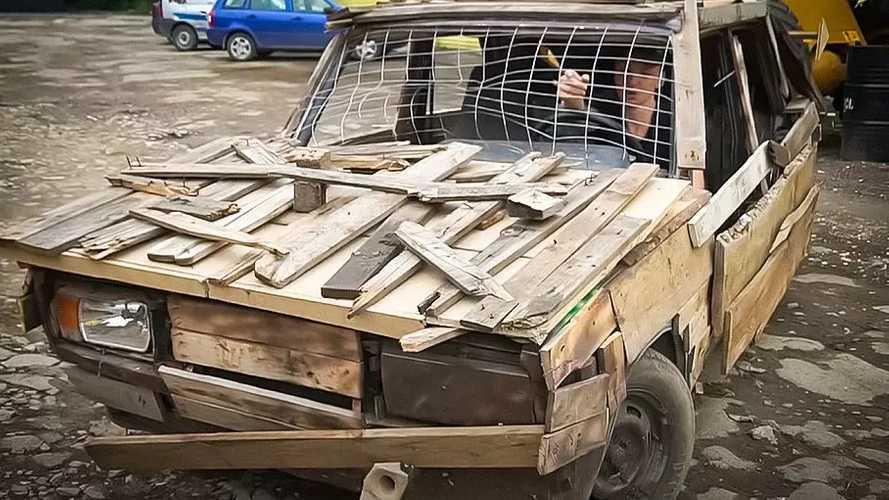 Fából készült Zsigulival furikázott egy jóhiszemű kalandor, a rendőrök nagy örömére